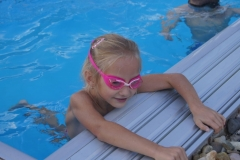 Nakonec hup do bazénu